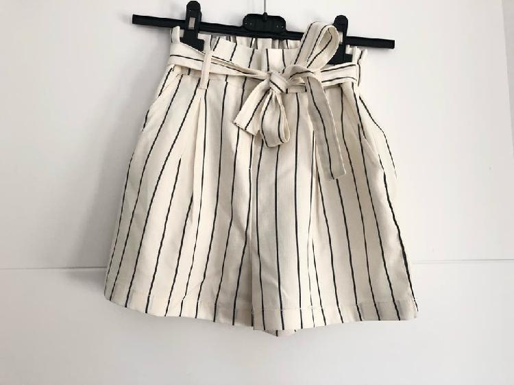 Pantalón rayas short Bershka verano de segunda mano por 5