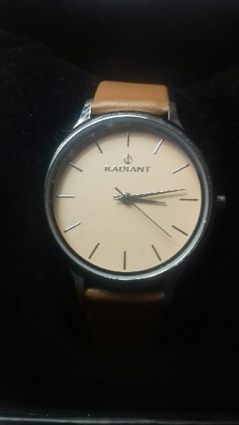 Reloj radiant nuevo en su caja sin extrenar