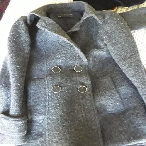 Abrigo 3/4 cruzado gris zara. talla xs pero talla