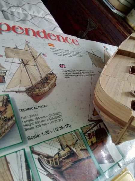 Maqueta independence barco artesanía latina