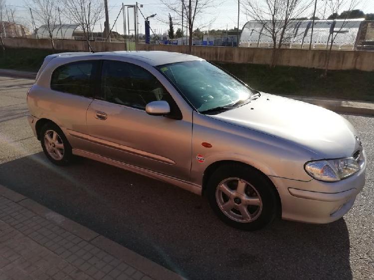 Nissan almera 2001 €800
