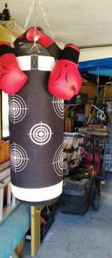 Saco de boxeo, kick boxing y muay thai