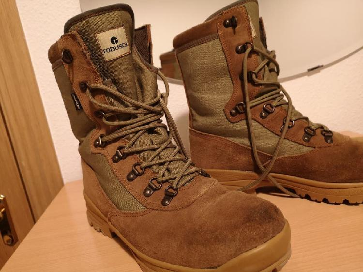 Vendo botas militares del 42