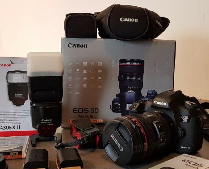 Canon 5d mark iii and lens ef 24-105 f4l ii usm