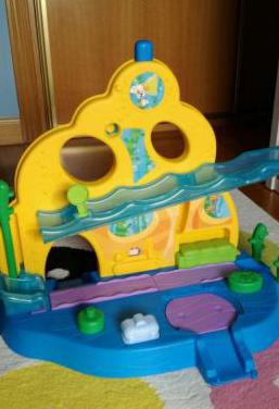 Colegio submarino bubble guppies fisher