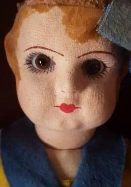 Muñeca de trapo muy antigua