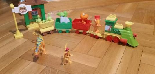 Dino tren de juguete nuevo