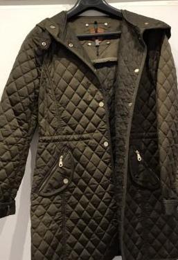 Abrigo 3/4 color verde. talla m