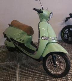 Motocicleta eléctrica   aparece en la revista