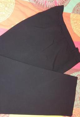 Pantalón negro punto roma