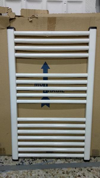 Radiador toallero 80,5 x 50