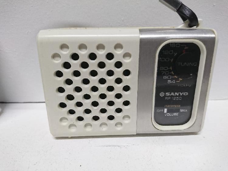 Radio transistor sanyo rp 1250