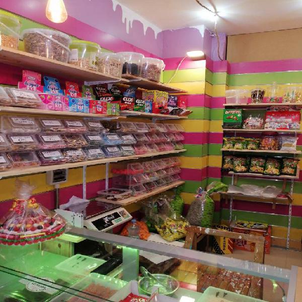 Traspaso tienda de golosinas y frutos secos