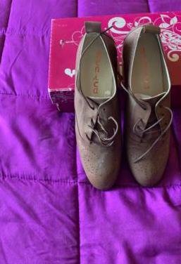 Zapatos num. 40