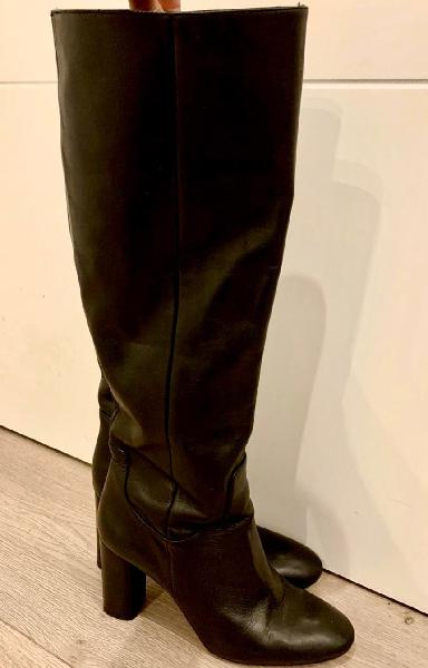 Botas altas de piel negras d zara