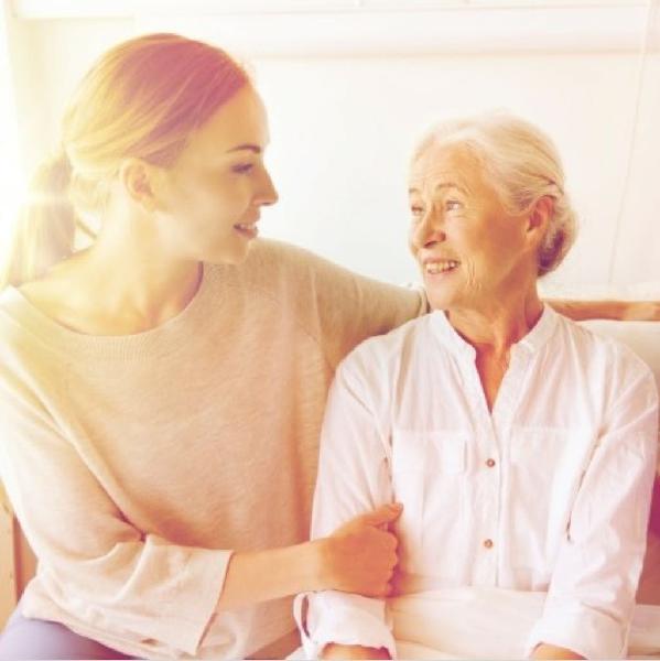 Cuidado personas mayores y tareas del hogar