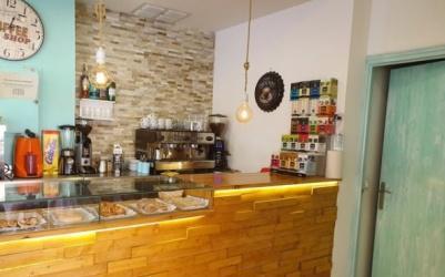Cafeteria en pleno funcionamiento se deja por enfermedad