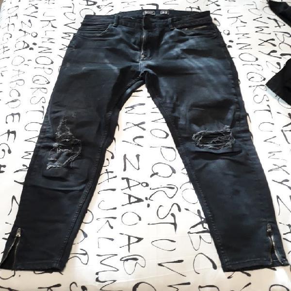 Pantalon vanquero negro