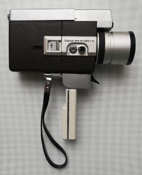 Proyector y cámara canon super 8