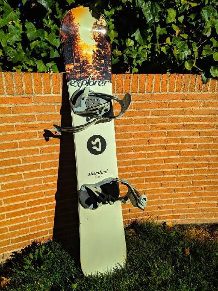 Tabla snowboard con fijaciones