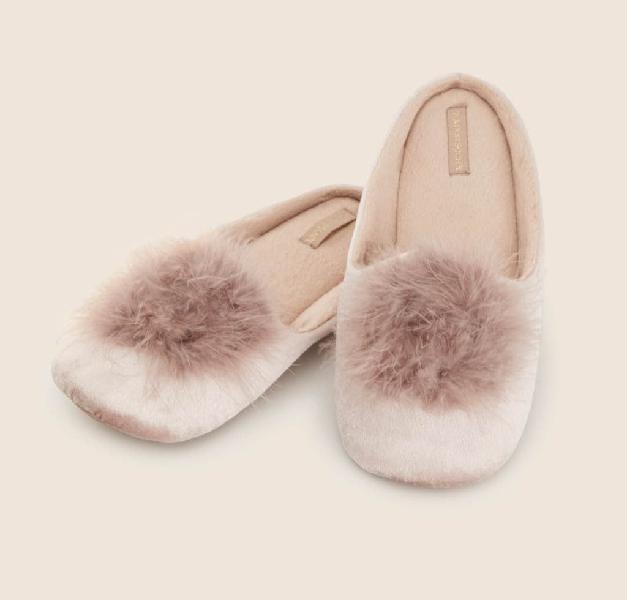 Zapatillas pompón novia