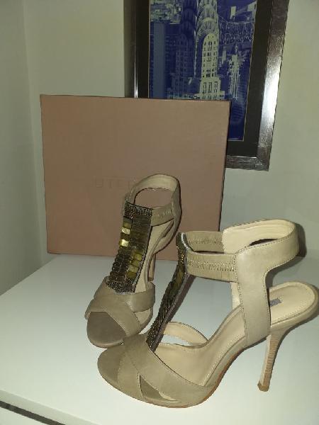Zapatos de piel de uterqüe número 39