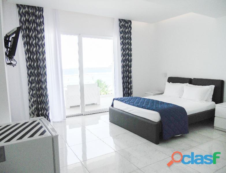 Habitación deluxe room  con vista al mar
