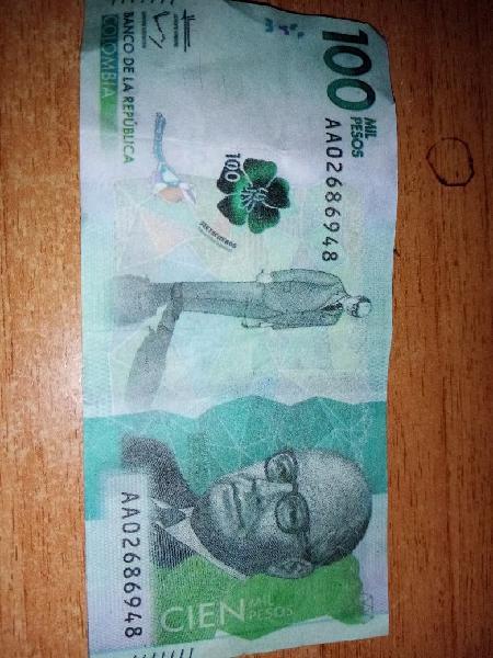 Lote 2 billetes y 5 monedas