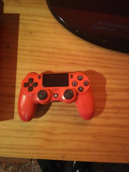 Vendo ps4 de 500gb, dos mandos y 4 juegos
