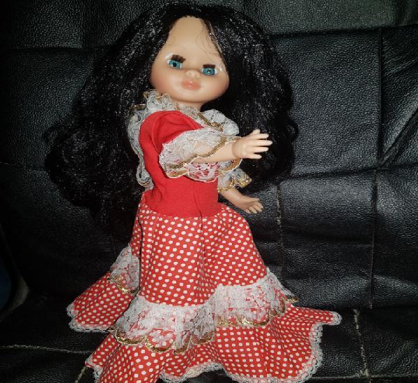 Muñeca similar a nancy