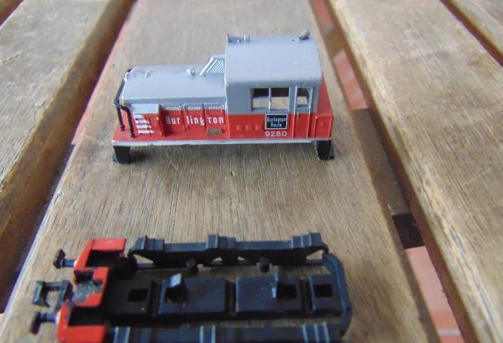 Tren escala n carroceria de bur ling ton y chasis