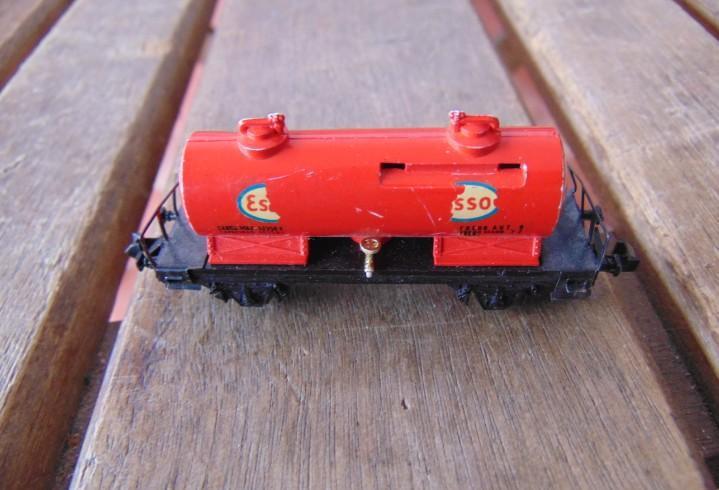 Vagón a escala n de ibertren tren esso
