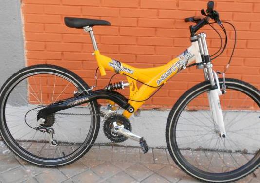 Bicicleta montaña especial doble suspension