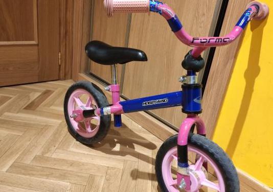 Bicicleta para iniciación del equilibrio
