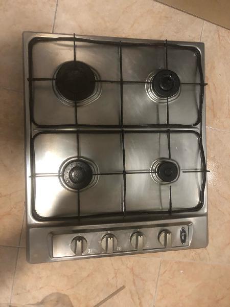 Cocina de gas natural y horno independientes