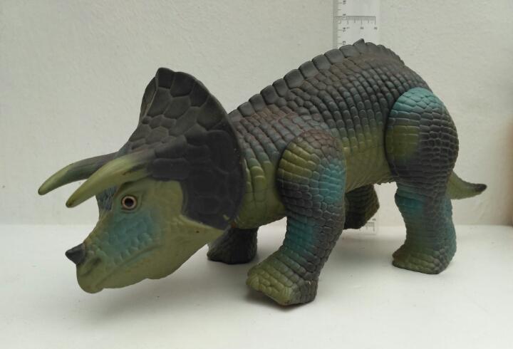 Dinoriders triceratops tyco dino riders