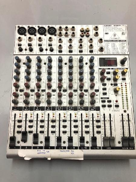 Mesa de mezclas Behringer EURORACK UB1622FX-PRO