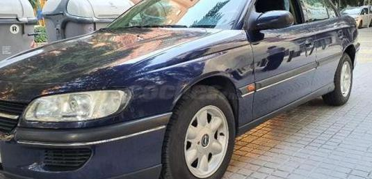 Opel omega 2.5td 4p.