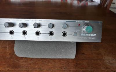 Samson q5, amplificador de auriculares. compacto y fácil.