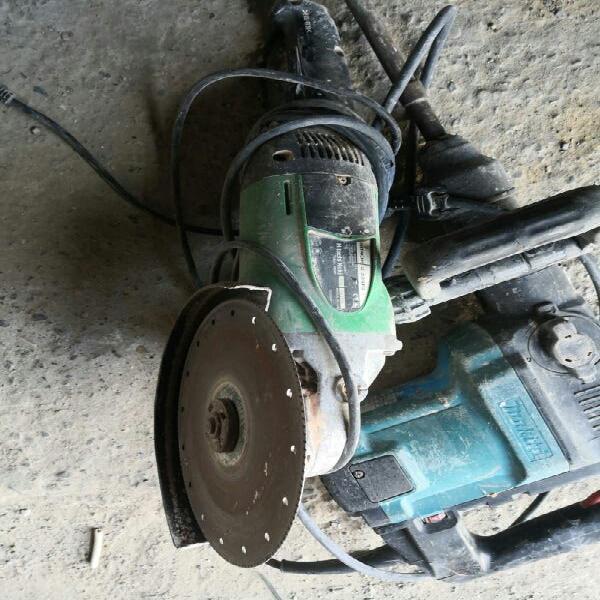 Amoladora y martillo percutor llamar 608 39 31 56