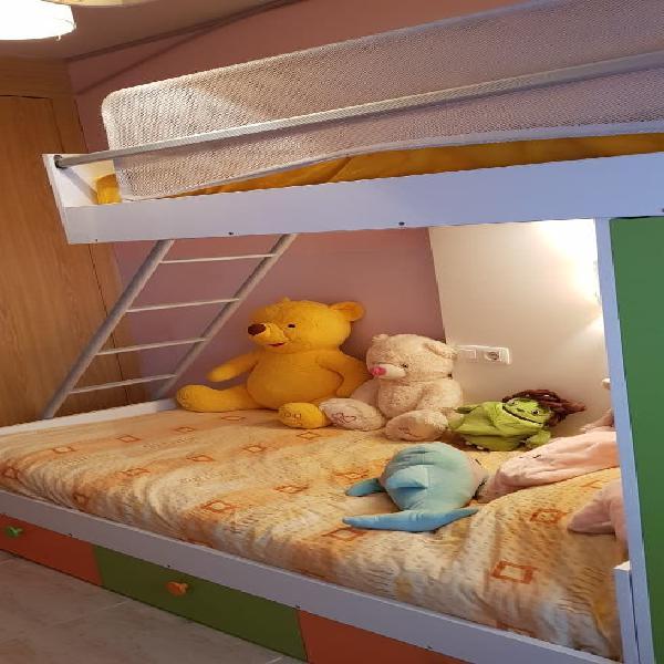 Habitación cama litera con armario