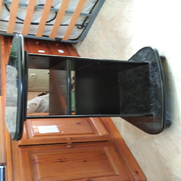Mueble tv y superficie giratoria en cristal