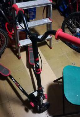 Patinete tres ruedas poco uso económico