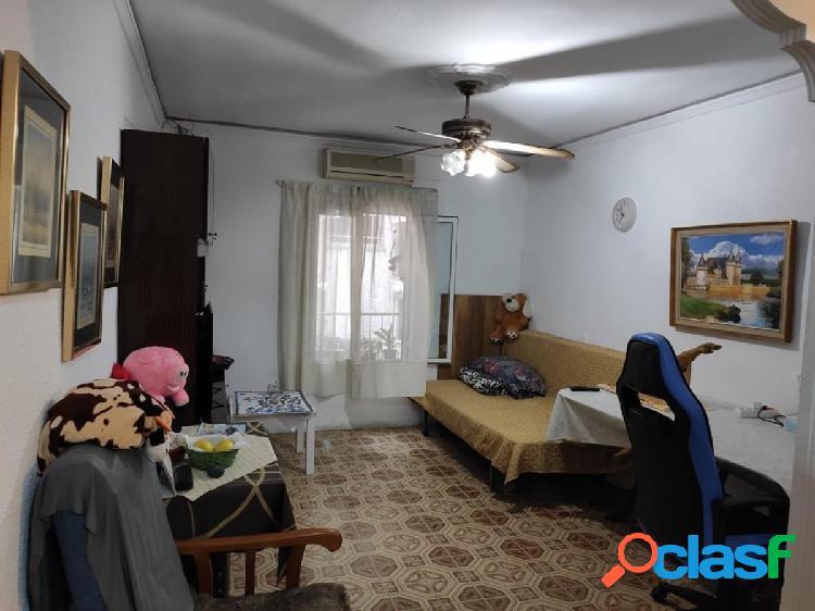 Ascensor, 3 habitaciones, cocina americana reformada, aire acondicionado, para entrar a vivir, plant