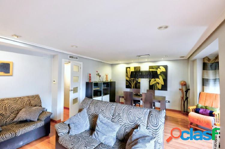 Piso en venta en zona pisos azules (elche), ideal para entrar a vivir.