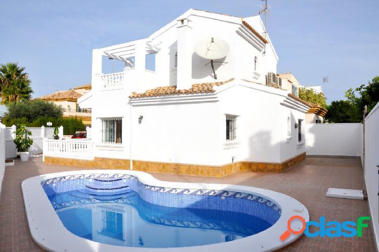 Chalet nuevo independiente 3 habitaciones, con piscina privada en san javier