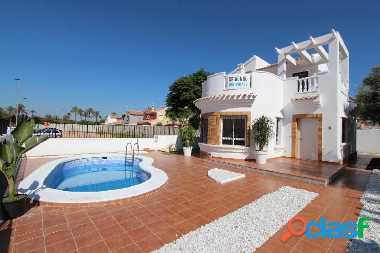 Nuevo chalet de 3 dormitorios y 2 baños con piscina privada en san javier!!!