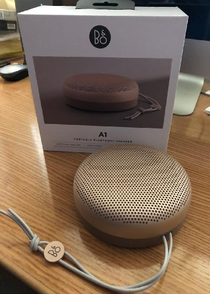 Altavoz bluetooth b&o beoplay a1