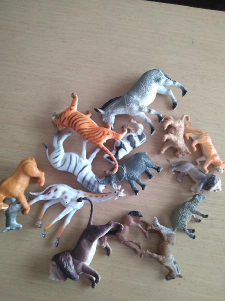 Animales de plástico
