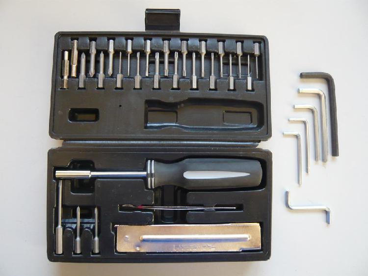 Caja destornilladores informática y llaves allen